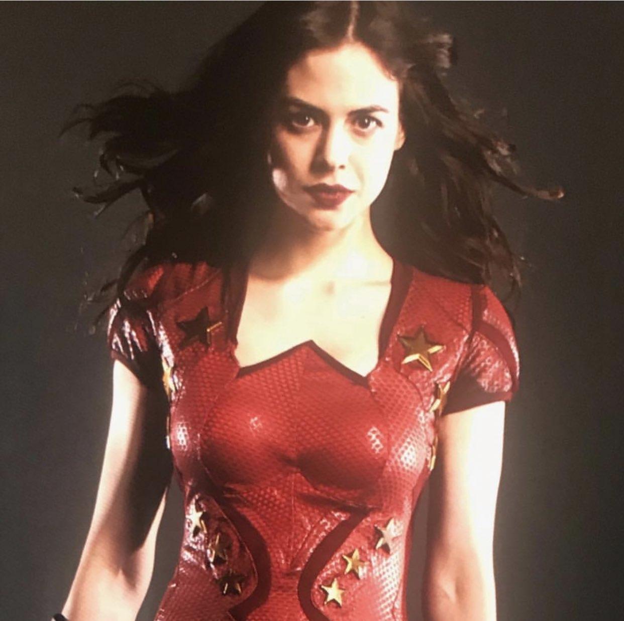 Personagem cativa da primeira temporada de Titans, Donna Troy, interpretada pela atriz Conor Leslie, teve finalmente seu traje revelado.